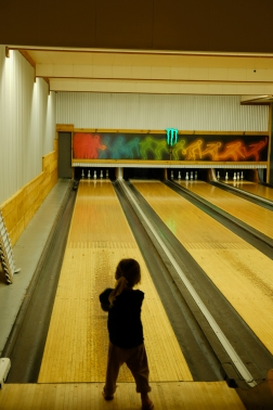 Bowling alley in the local diner where we had dinner. Carla loved it, and played with the local kids :-)